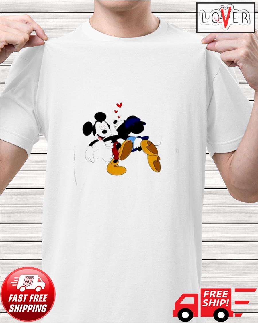 Minnie kisses Mickey Disney shirt