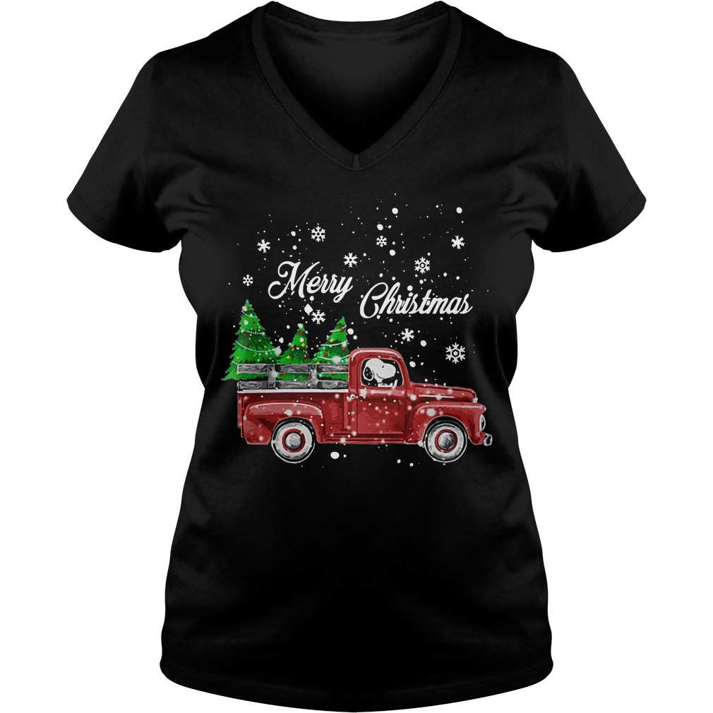 Merry Christmas Snoopy driving Christmas tree V-neck