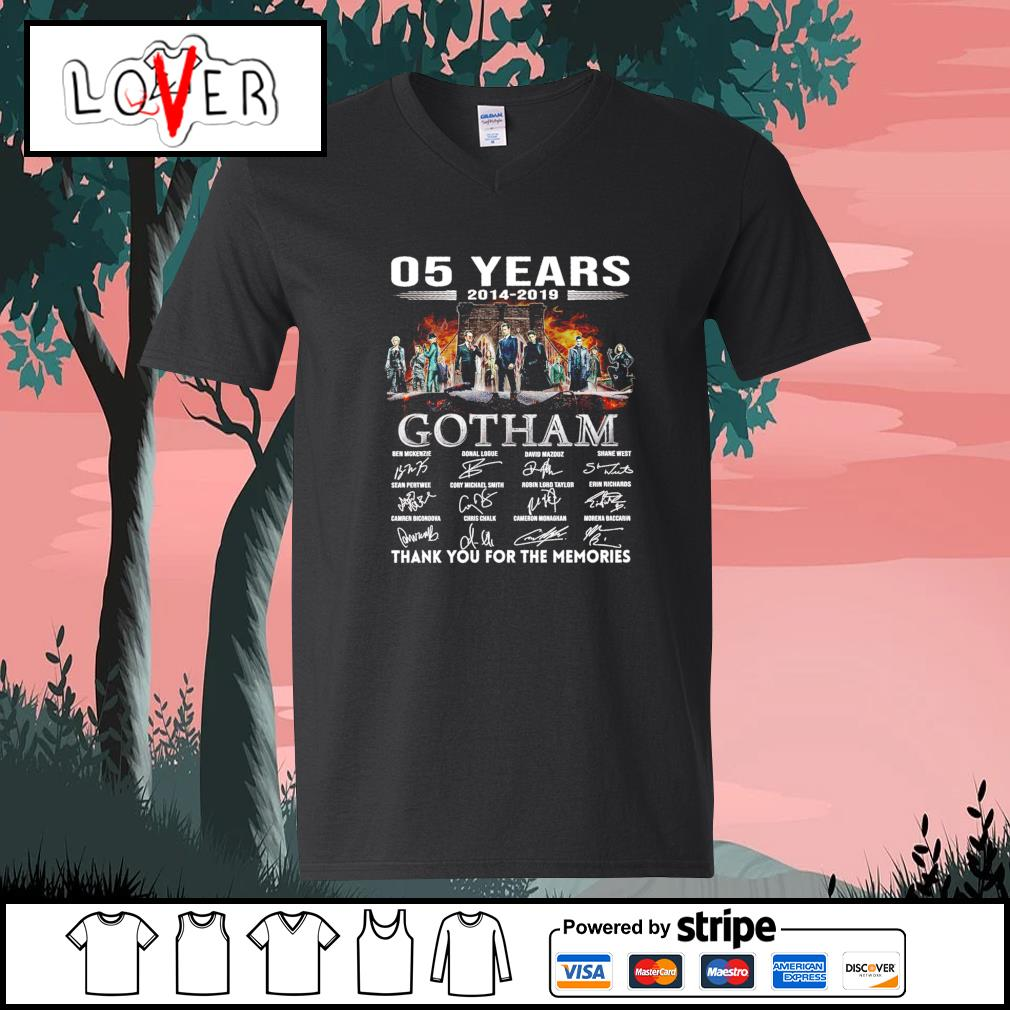 5 years 2014 2019 Gotham thank you for the memories signatures s V-neck-T-shirt